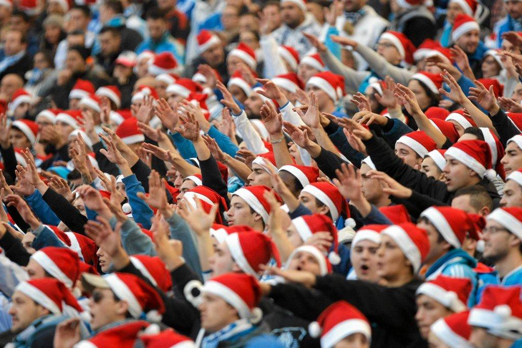 A tu Mikołaje już w roli widzów, dopingujących Olympique Maryslia w meczu z Lille