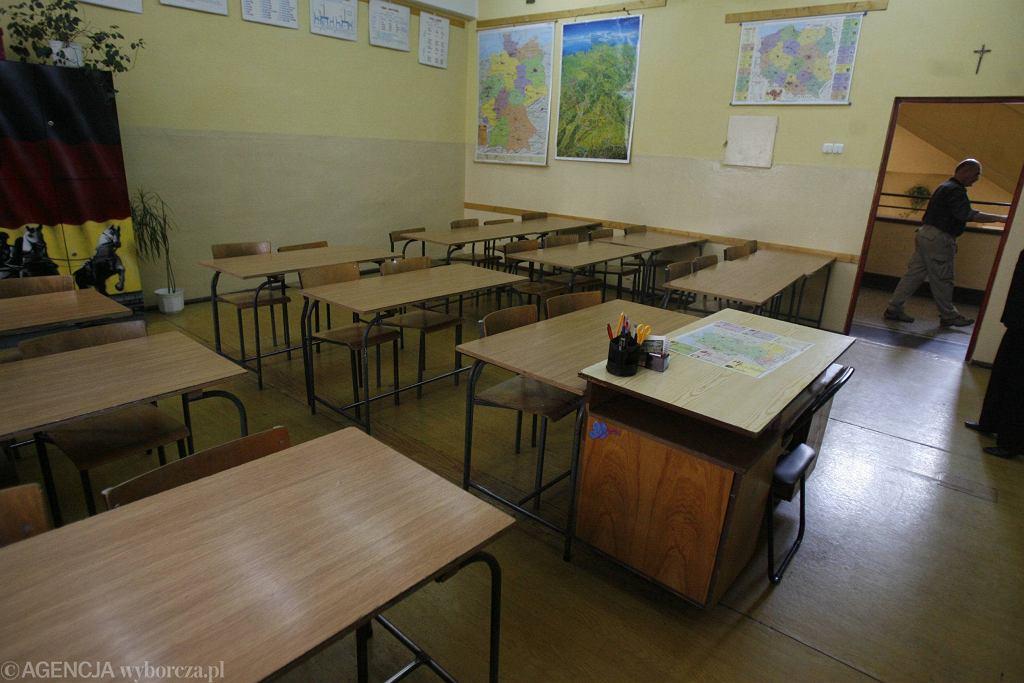 Powrót dzieci do szkół. Dr Grzesiowski: 'Pomysł przedwczesny'