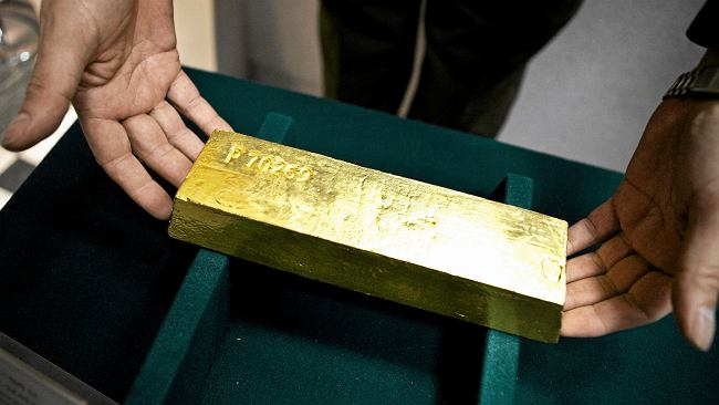 """NBP szykuje się do sprowadzenia z Londynu 100 ton złota. Kruszec trafi do Polski """"niebawem"""""""