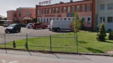 Napad na hotel w Krośnie - policja szuka napastnika.