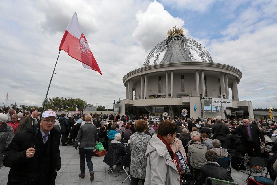 Kościół pw. NMP Gwiazdy Nowej Ewangelizacji i św. Jana Pawła II w Toruniu. Świątynia wybudowana przez o. Rydzyka ma teraz przywilej odpuszczania kar czyśćcowych.