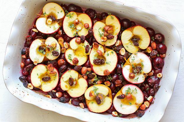jabłka zapiekane z wiśniami