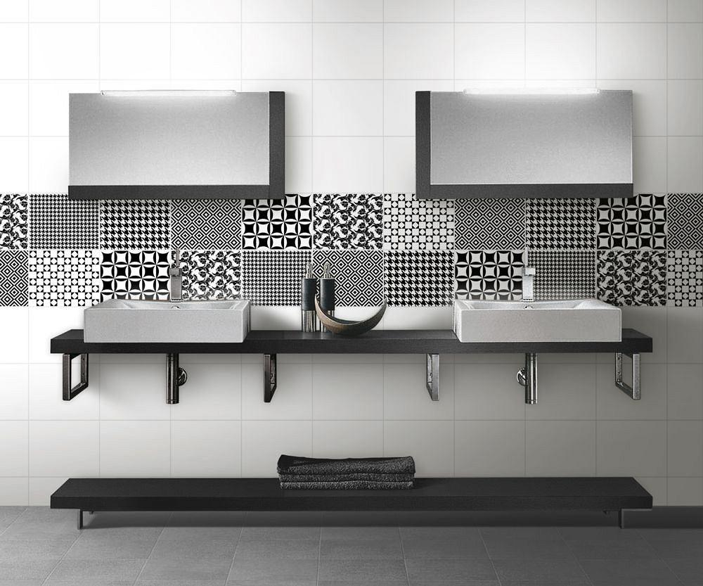 Płytki łazienkowe w wersji czarno-białej