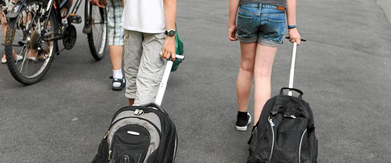 Mokotów. Siedmiolatek miał w plecaku scyzoryk. Dyrektorka szkoły od razu wezwała policję