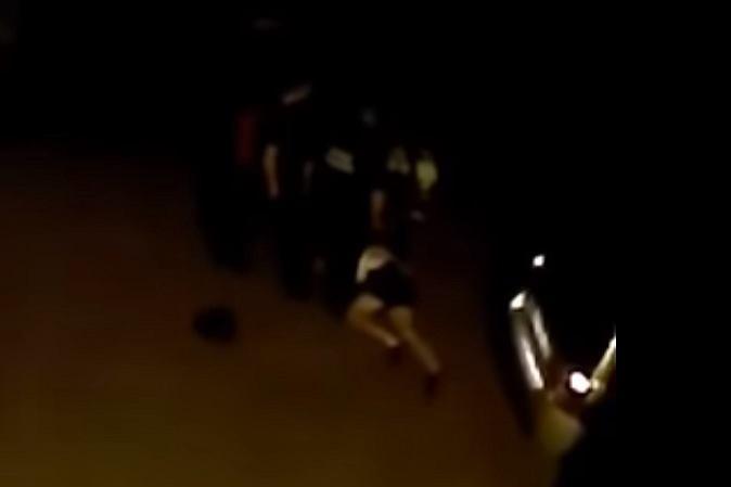 Strażnicy kopali leżącego mężczyznę? Straż miejska: Trudno to nazwać kopaniem