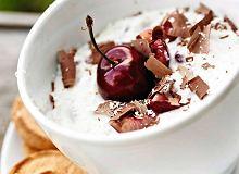 Ekspresowy deser po włosku z wiśniami - ugotuj