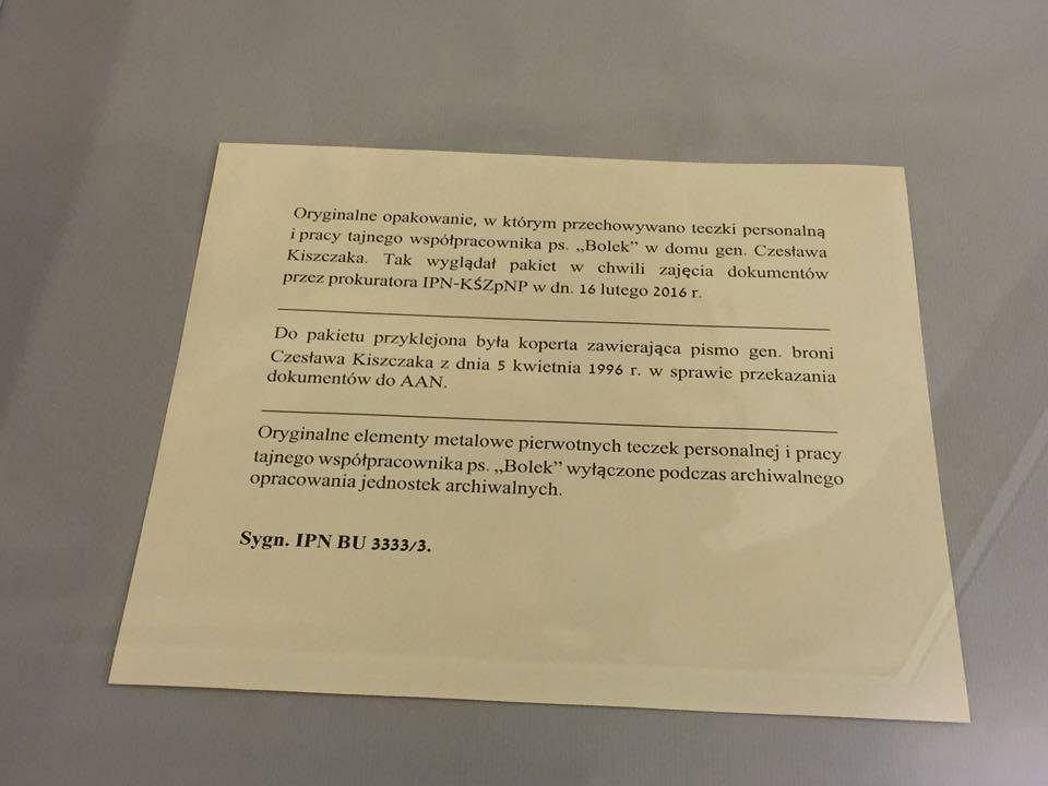 Opakowanie w którym znajdowały się teczki Bolka, IPN, Warszawa