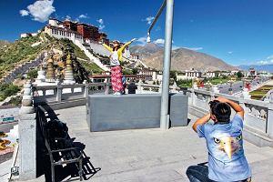Tybet. Wojenna turystyka [KONTYNENTY]