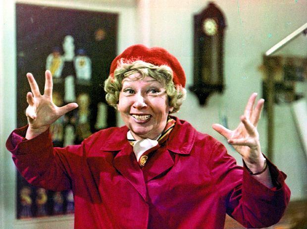 'Jestem kobietą pracującą, żadnej pracy się nie boję' - mówiła w 'Czterdziestolatku'. To mogłoby być credo wielkiej aktorki, która zmarła 3 marca 2011 roku w wieku 98 lat.