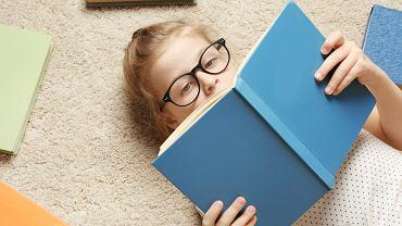 Książki dla 8 latka - najlepsze tytuły dla dzieci w wieku ośmiu lat. Zdjęcie ilustracyjne