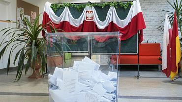 Wybory samorządowe 2018. Przezroczyste urny wyborcze