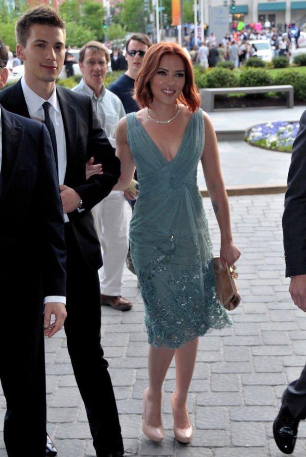 Scarlett Johansson arrives at White House Correspondents Dinner with big smile in Washington DC.  Pictured: Scarlett Johansson and Hunter Johansson