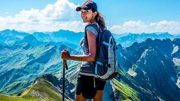 Turystka w Alpach