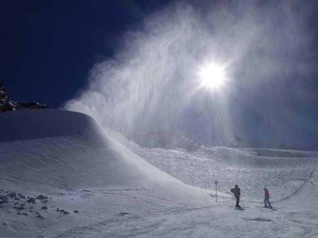 Słońce i śnieg na Pitztalu