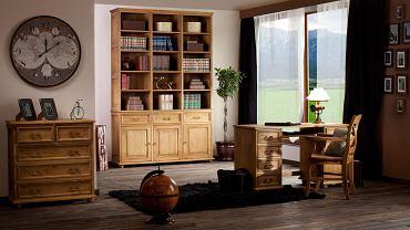 Niekiedy drewno ma tak wyjątkową urodę, że szkoda jej zakrywać farbą, wówczas wybierz bezbarwny lakier lub wosk. Na zdjęciu kolekcja mebli Hacienda marki Woodica