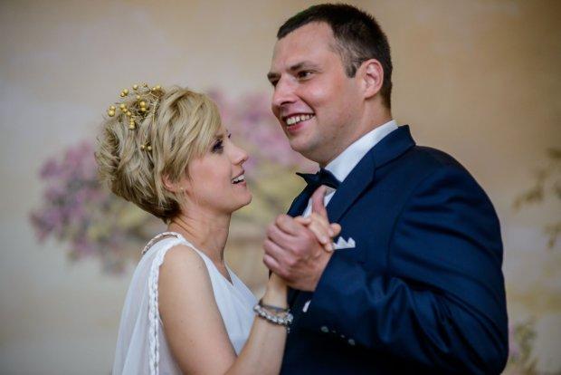 Ślub Aleksandry Woźniak. Aleksandra Woźniak i jej mąż Szymon, śluby gwiazd, Kasia z 13 posterunku