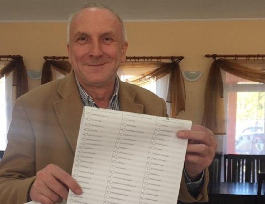 Piotr Zygarski podczas głosowania 13.10.2019 r.