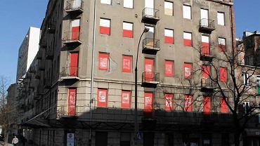 budynek przy Targowej 76 na rogu z Wileńską. Tzw. Kamienica Enkawudzistów