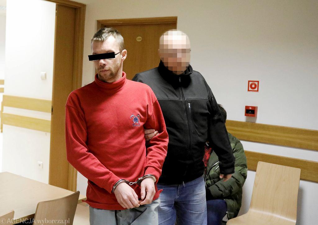 Łukasz B. doprowadzany na posiedzenie aresztowe, w zwiazku z zarzutem zabójstwa dziennikarza Krzysztofa Leskiego. Warszawa, 8 stycznia 2020
