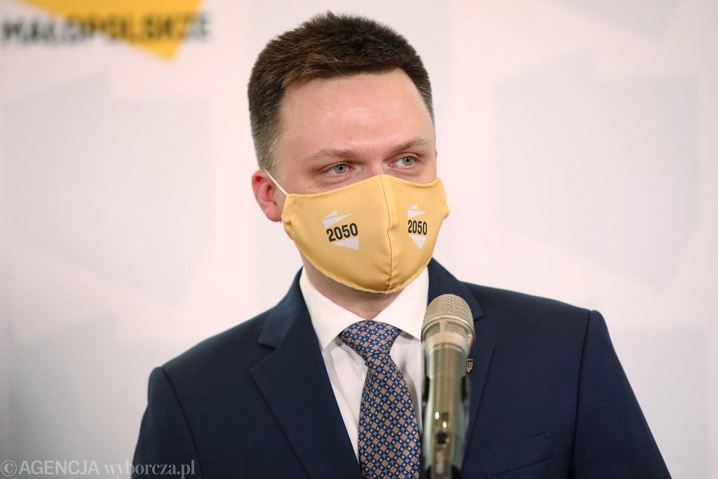 Szymon Hołownia podczas konferencji prasowej. Kraków, 21 grudnia 2020