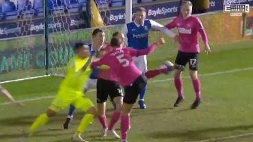 Krystian Bielik strzela gola w meczu Birmingham City - Derby County