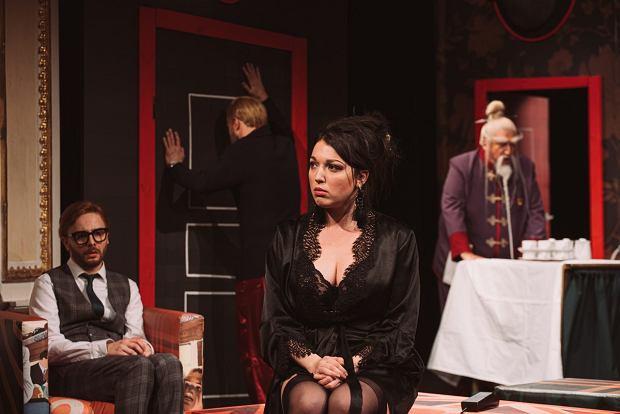 Zdjęcie numer 0 w galerii - Król farsy w Teatrze Polskim w Bielsku-Białej. Salwy śmiechu na widowni [ZDJĘCIA]