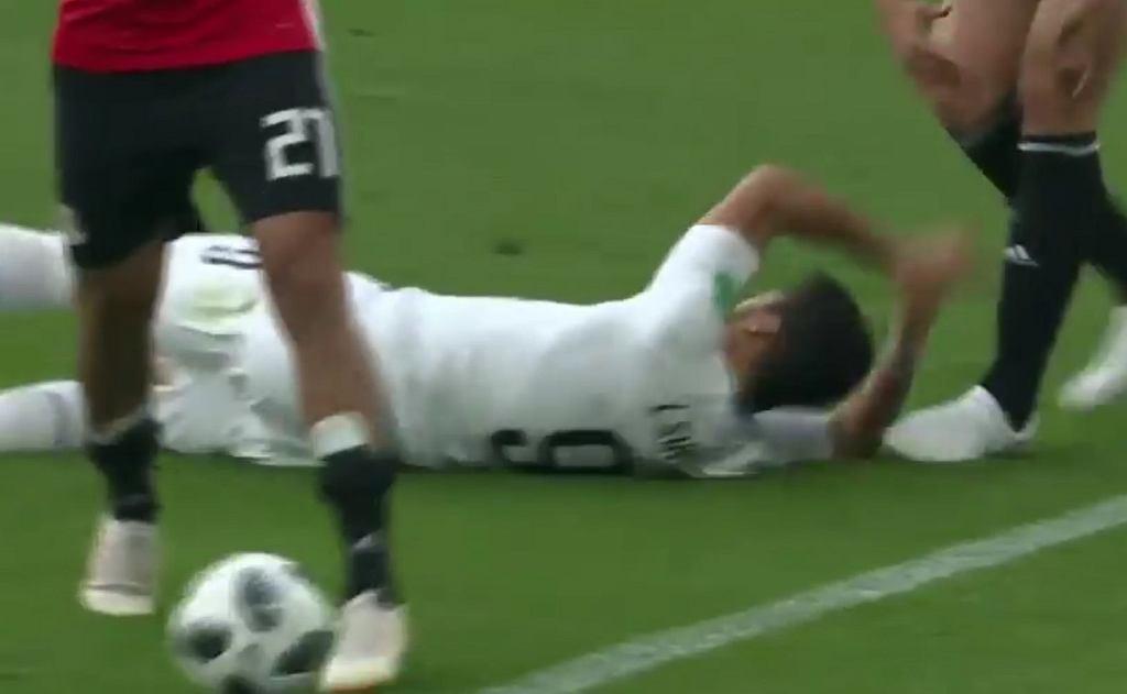 Luis Suarez i jego symulka