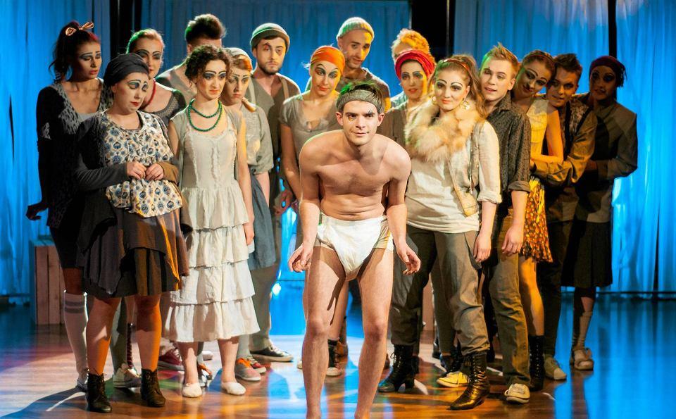 Teatr W Warszawie Dawka Humoru Kpiny I Kąśliwych żartów