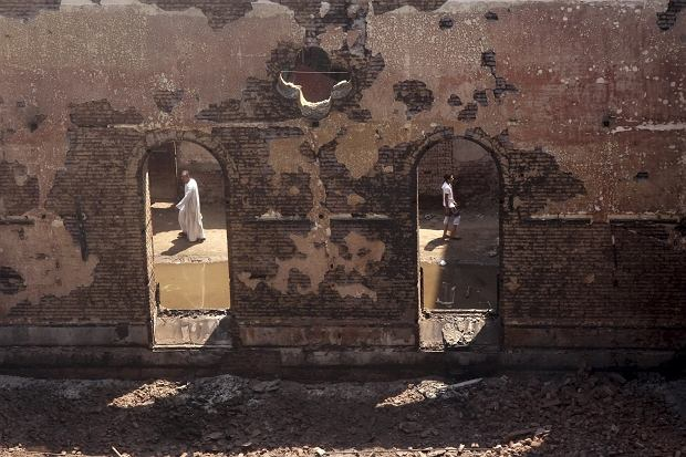 Zdewastowana świątynia