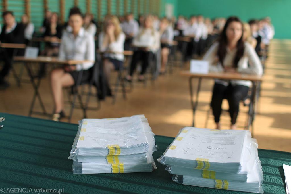 Lektury obowiązkowe egzamin ósmoklasisty 2021. W tym roku lista jest okrojona