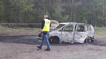 Auto spłonęło w okolicach Krzywej Góry