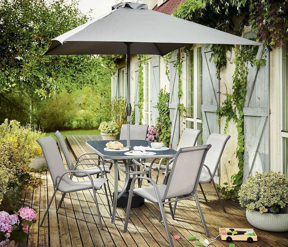 Parasol ogrodowy w komplecie ze stolikiem