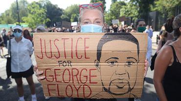 Patolog o śmierci Floyda: Zmarł jeszcze zanim przyjechała karetka