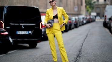 Żółty kolor na lato
