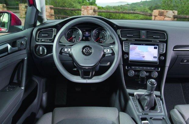 Volkswagen Golf - wnętrze