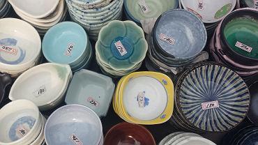 Jak usunąć uciążliwe naklejki z nowo zakupionych przedmiotów?