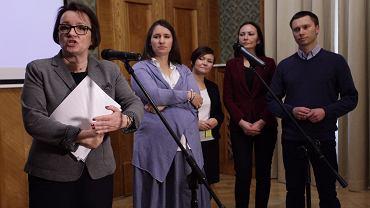 Karolina i Tomasz Elbanowscy z minister edukacji Anną Zalewską