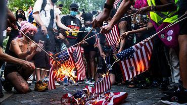 Palenie flag USA - Nowy Jork