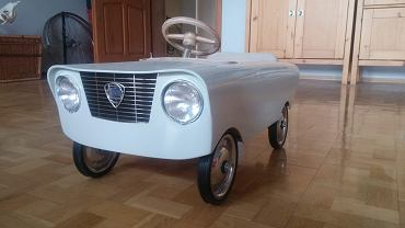 Poznań. Ukradła z garażu auto-zabawkę. Ojciec konstruował je dla swoich dzieci przez trzy miesiące