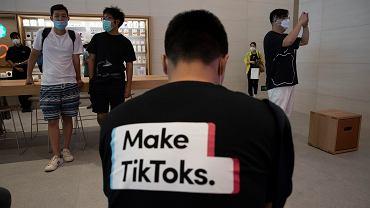 Wokół chińskiej aplikacji społecznościowej TikTok zaczęło się robić coraz goręcej, po piątkowej wypowiedzi Donalda Trumpa, w której zadeklarował wprowadzenie zakazu używania Tik-Toka w USA.