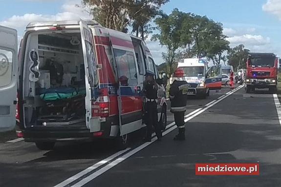 Wypadek koło Miłosnej, na drodze krajowej nr 36 z Wrocławia do Lubina. Kierująca osobówką wjechała w kolumnę motocyklistów