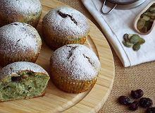 Szpinakowe muffinki z żurawiną i pestkami dyni - ugotuj