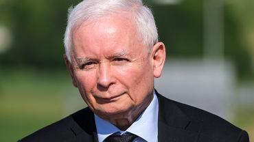 Jarosław Kaczyński od dziś zarabia 30 tys. zł miesięcznie. Podwyżki dla polityków zarządził sam prezes
