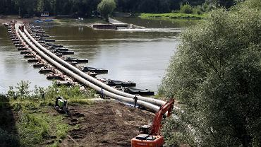Rurociąg na moście pontonowym. 11.09.2020 r.