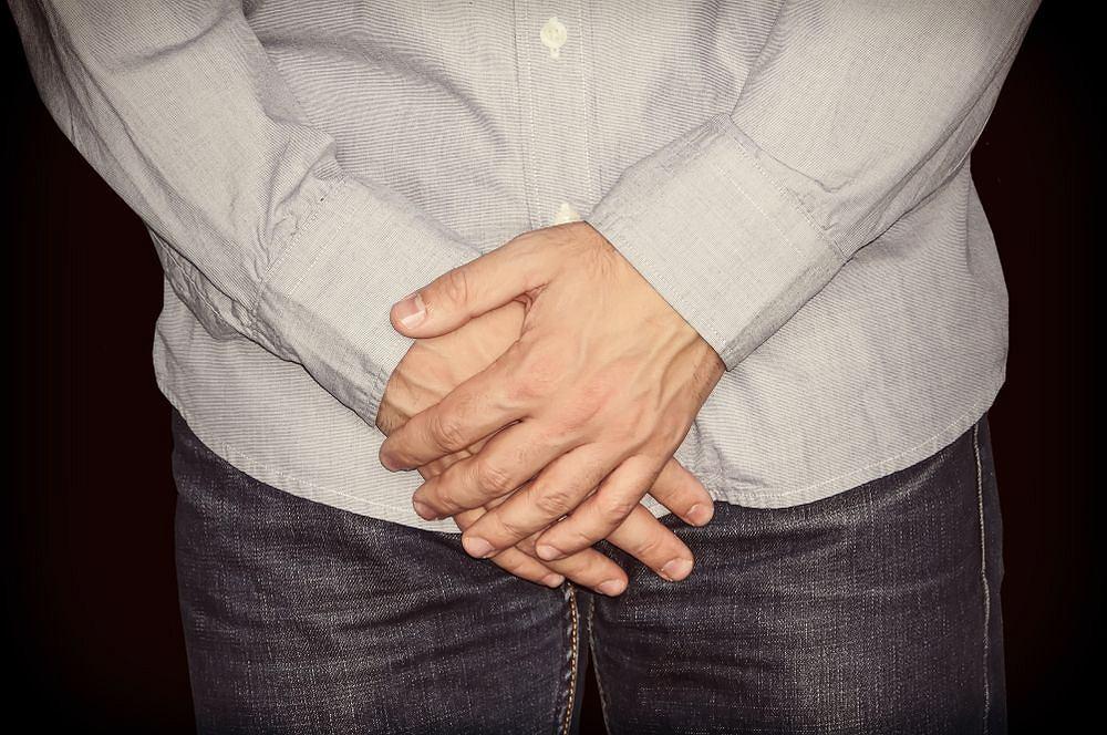 Grzybica pachwin jest chorobą, która częściej występuje u mężczyzn w wieku ok. 18-30 lat.