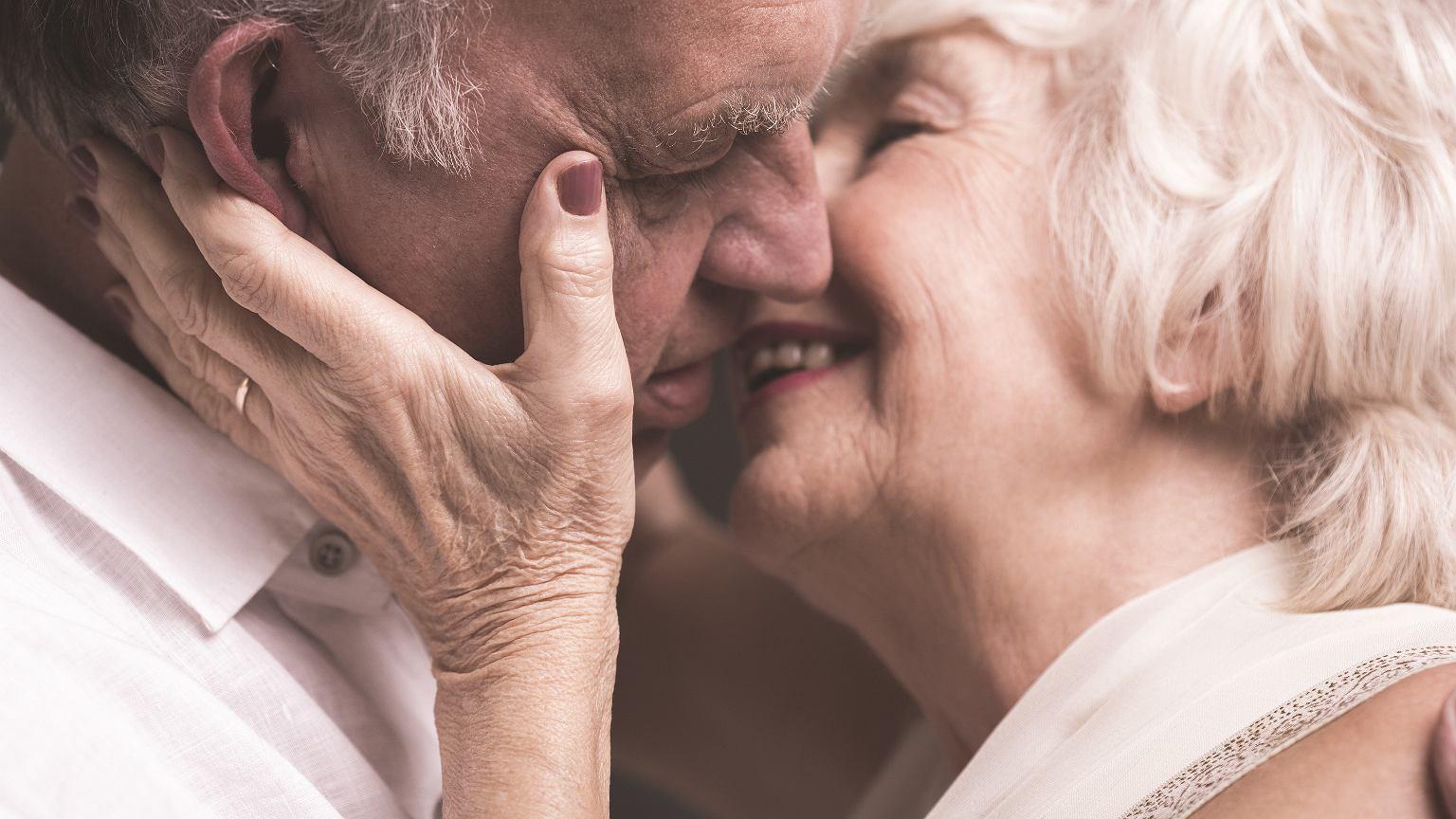Znalezione obrazy dla zapytania: seks ludzi starszych