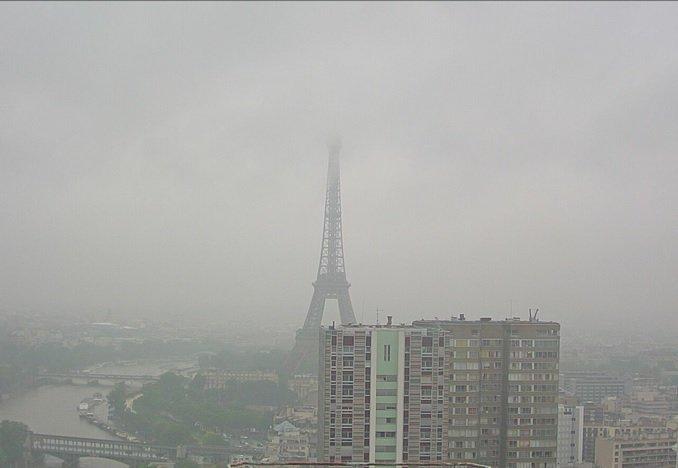 Deszczowy Paryż, poniedziałek 30 maja