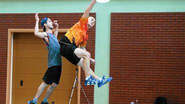 Finał halowych mistrzostw Warszawy w ultimate frisbee w Arenie Ursynów. Finał dywizji męskiej: MuJAHedini Dysku - Kosmorucha