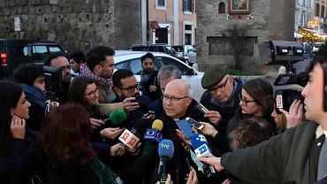 14.01.2019, Watykan, przewodniczący Konferencja Episkopatu Chile biskup Fernando Ramos na konferencji prasowej po spotkaniu z papieżem Franciszkiem w sprawie ukrywania pedofilii wśród chilijskich księży