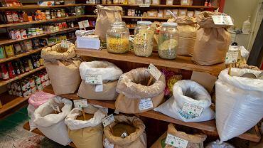 W 6 na 10 kasz gryczanych wykryto pestycydy. 'Producent może nie wiedzieć, że występują w niej przekroczenia'.